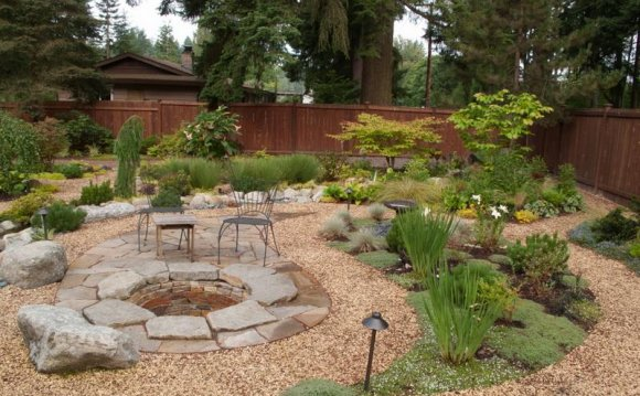 Backyard Gravel Patio Ideas: