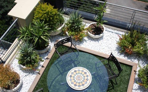 Balcony garden 5