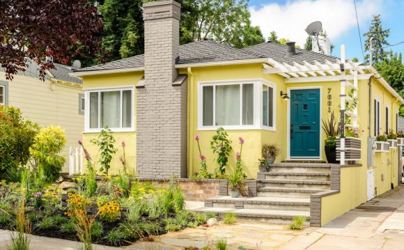Curb Appeal Makeovers - 15