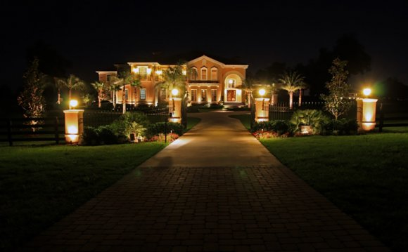 Design Landscape Lighting