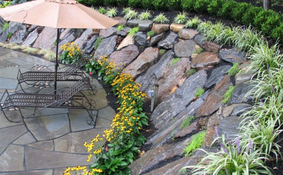 Landscaping Design with rocks