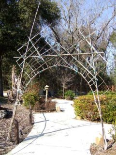Living Latticed Arch is Incorporated Into Traditional Garden Sculpture